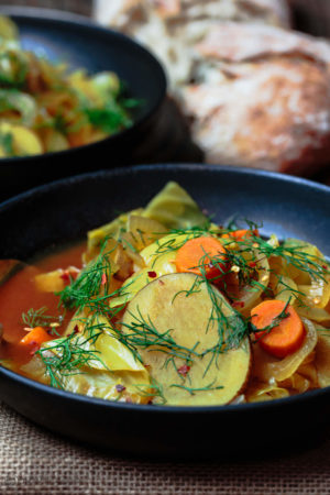 Mediterranean Vegan Cabbage Soup
